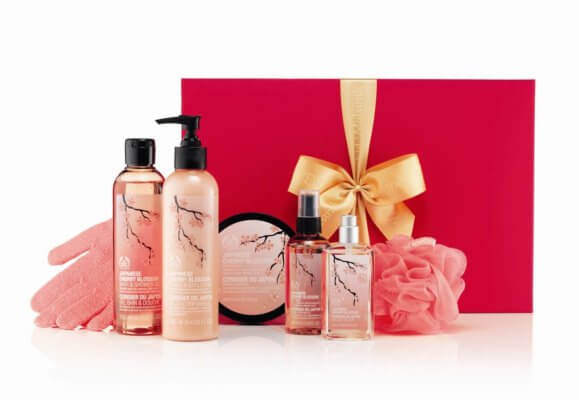 the-body-shop-japanese-cherry-blossom-gift-box