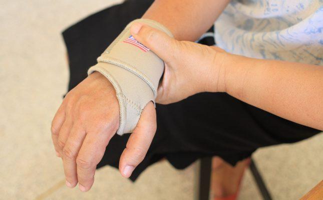 Best Online Selling Wrist Braces