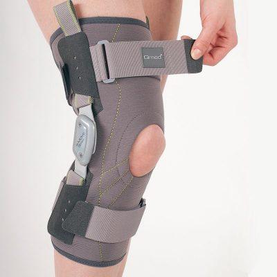 S-Move Knee Brace ( Close )